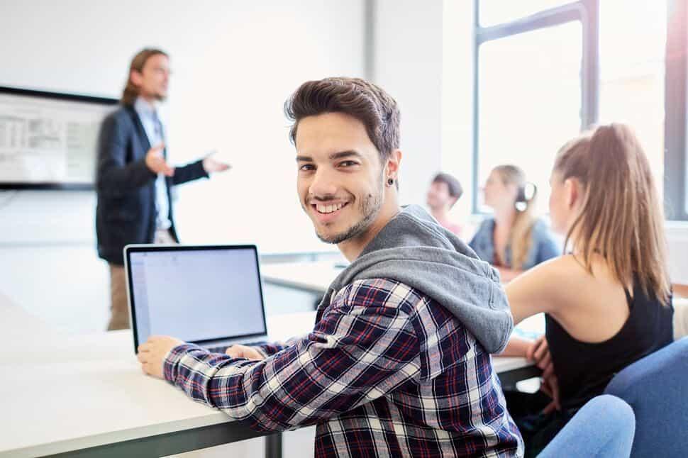 Lenovo vs HP Best Laptops for Students in 2019